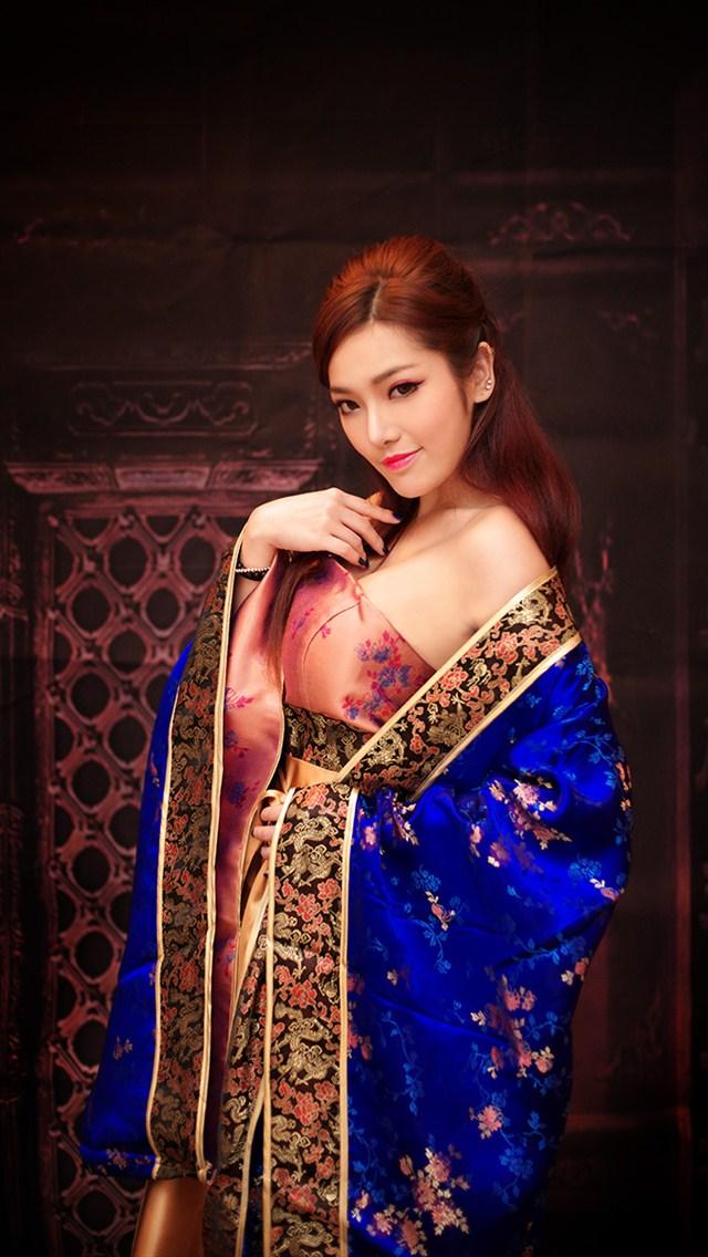 古典妖娆美女640x1136手机壁纸下载