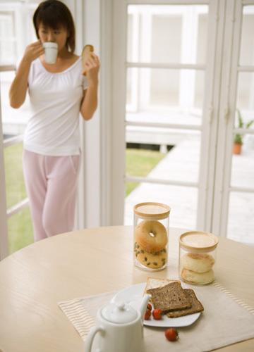 办公室一族面临的10大饮食危机_www.aioppo.cn