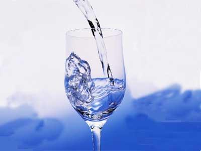 """专家指导 藏在水里的健康""""杀机""""_www.aioppo.cn"""