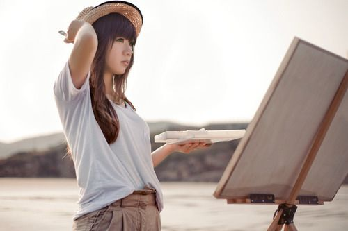 霸气的超拽女生个性签名:全世界跟你比起来算什么啊_www.aioppo.cn