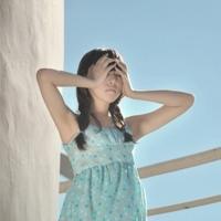 蓝色女生头像_好好活着,因为我们会死很久很久。_www.aioppo.cn