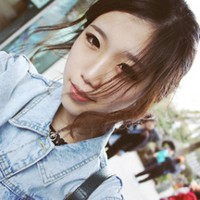 qq唯美意境女生头像超赞_゛细水里浮现出你的身影_www.aioppo.cn