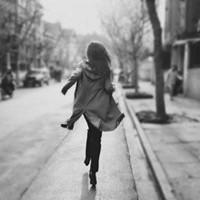 伤感女生黑色头像_总有一天,一切都会好起来的_www.aioppo.cn