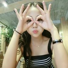 闺蜜头像三人三张 用所有的勇气,撑起最灿烂的笑容。_www.aioppo.cn