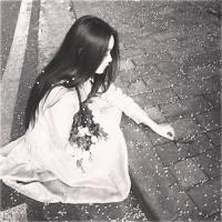 伤感黑白色女生头像大全 生是一辈子,死是一秒钟_www.aioppo.cn