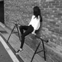 长发飘飘美女头像 总要允许有人错过你 才能赶上最好的相遇_www.aioppo.cn