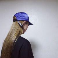 戴帽子的韩系时尚女生头像_www.aioppo.cn