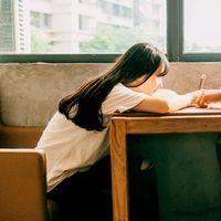 长发甜美温柔女生头像 我也曾挽留,可最后你放开了手_www.aioppo.cn