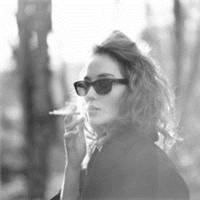 吸烟的女生 有一种别样的性感头像_www.aioppo.cn