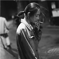 吸入心肺的疼痛 女生吸烟颓废头像_www.aioppo.cn