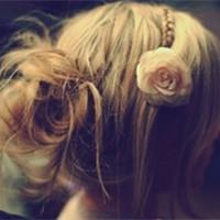 做最珍贵的姑娘 美美的盘发女生头像_www.aioppo.cn