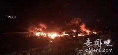 回龙观市场夜发大火 初步估计损失200万幸无人员伤亡